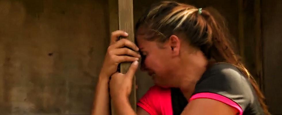 Berna gözyaşlarını tutamadı