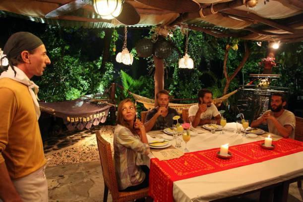 Gönüllüler İtalyan Restoranında