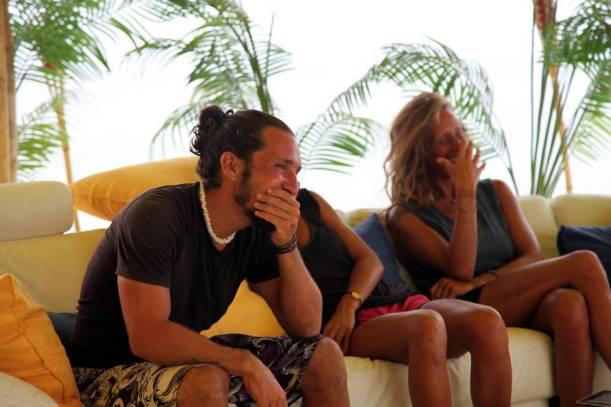 Yarışmacılar Ailelerinden Gelen Videoları Böyle İzledi