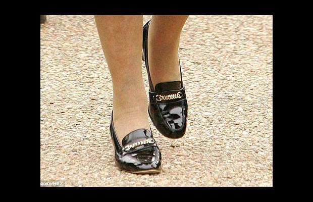 Elli senedir aynı ayakkabıları giyiyor