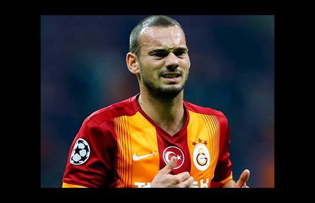 Sneijder, hedefe kilitlendi!