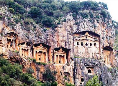 2.500 Yıllık Kral Mezarları Bürokrasi Mağduru