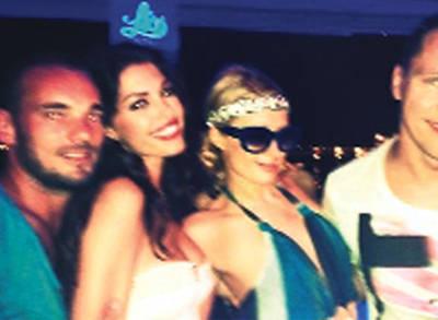Yolanthe Cabau'ya İlk Tebrik Paris Hilton'dan