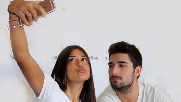 Instagram'da dudaklarını büzerek söylediği şarkılarla fenomen olan Banu Parlak, İdo ile aşk yaşadığı yönündeki iddialarla ilgili konuştu.