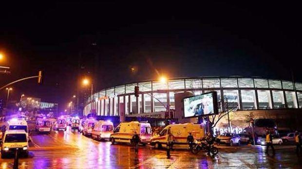 Beşiktaş'ta saldırının gerçekleştirildiği yere Şehitler Tepesi adı verildi.
