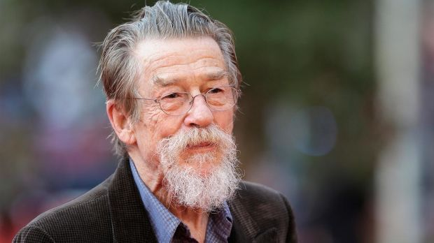 Uzun süredir pankreas kanseriyle mücadele eden aktör John Hurt 77 yaşında hayatını kaybetti.  Yaklaşık 60 yıllık kariyerinde 200'den fazla film ve dizide rol alan John Hurt, Harry Potter, Fil Adam, V for Vendetta, Hellboy, Geceyarısı Ekspresi ve 1984 gibi filmlerde oynamıştı.