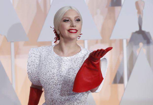 Dünyaca ünlü şarkıcı Lady Gaga üst üste dördüncü kez Oscar törenlerinde sahneye çıkacak