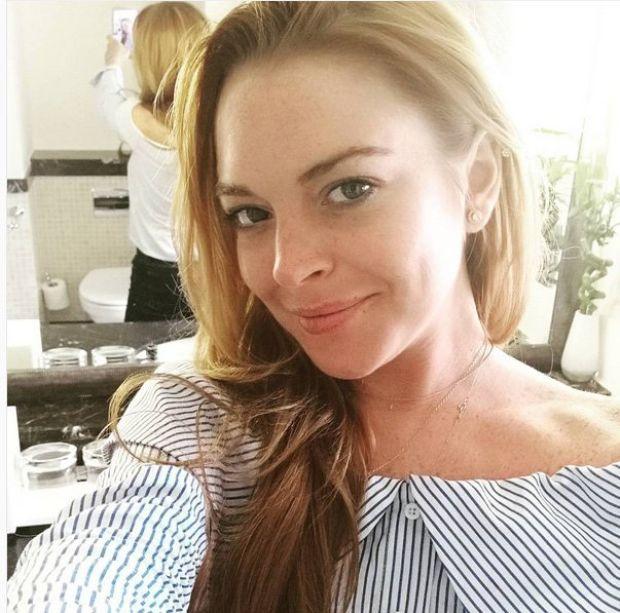 Lindsay Lohan, sosyal medya hesabından paylaştığı selfie ile dikkatleri üzerine çekti.  Dünyaca ünlü yıldız Lindsay Lohan sosyal medya paylaşımları ile adından söz ettirmeye devam ediyor