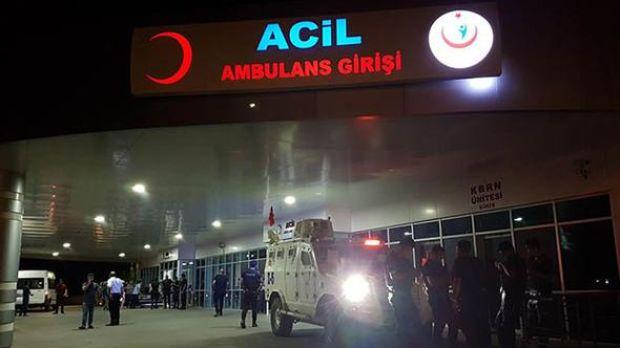 Bingöl'ün Genç ilçesi kırsalında, bölgede yürütülen terör operasyonu kapsamında keşif ve gözetleme yapan güvenlik güçleriyle PKK'lı teröristler arasında çıkan çatışmada 1 asker şehit oldu, 1 asker yaralandı.