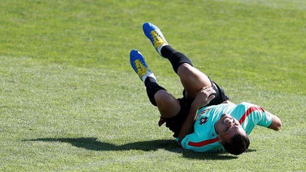 Portekiz'in 2018 Dünya Kupası Avrupa Elemeleri kapsamında Andorra ile karşılaşacağı maçın hazırlıklarında Pepe, idman sırasında sakatlık geçirdi.