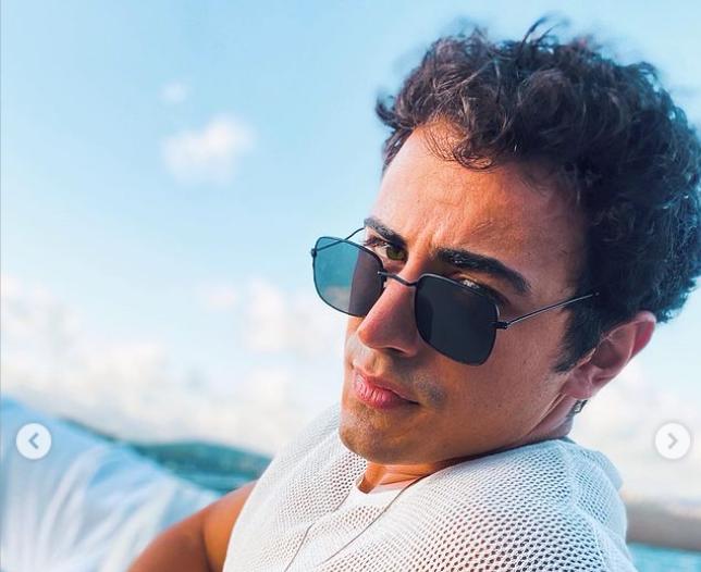 Survivor kadrosunda yer alan Emin Günenç, Instagram üzerinden yaptığı paylaşımlarla dikkat çekiyor.Günenç, Survivor'ın kendisi için çok büyük bir dönüm noktası olduğuna inanıyor