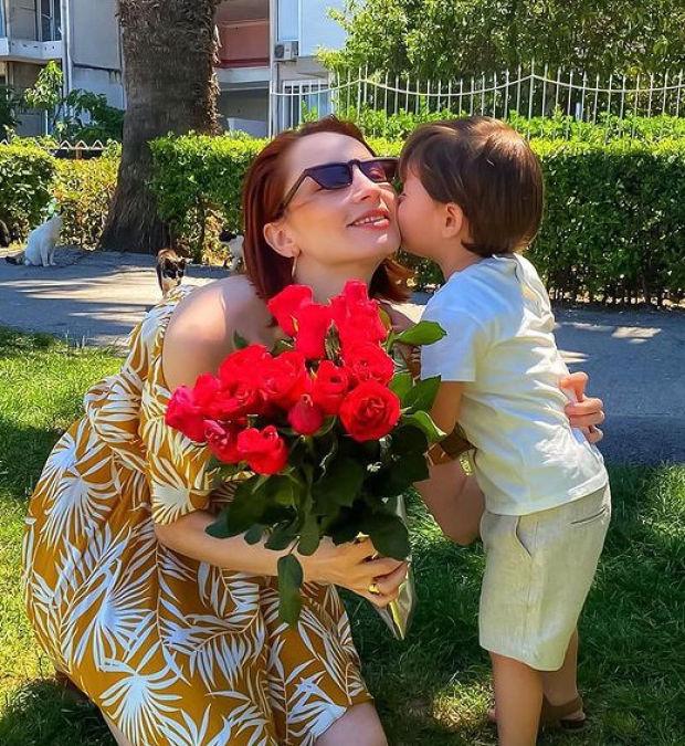 Bir evlat sahibi olan MasterChef Türkiye 2020 yarışmacısı Selin Öztürk Aydın, anneler gününde oğluyla birlikte...