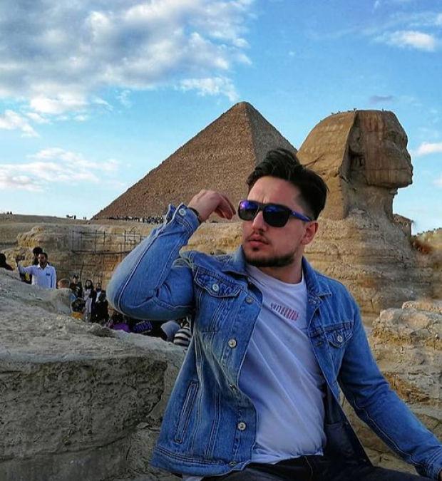 MasterChef 2020 yarışmacılarından Sefa Okyay Kılıç, Instagram hesabından, Mısır'da tatil yaparken çekilen bir fotoğrafını paylaştı.