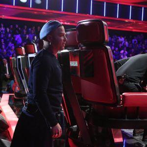Gökhan neden koltuğun arkasına saklandı?
