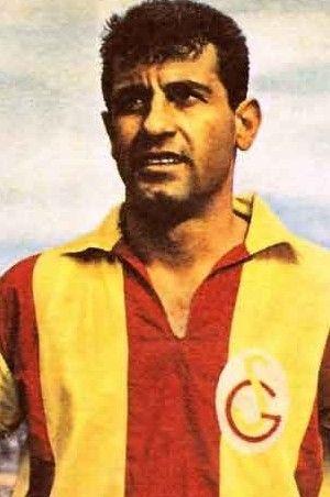 Galatasaray 'Taçsız Kral'ı unutmadı - Metin Oktay kimdir neden öldü?