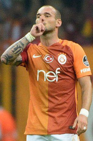 Galatasaray'da Sneijder krizi! Kafaları karıştırıyor...