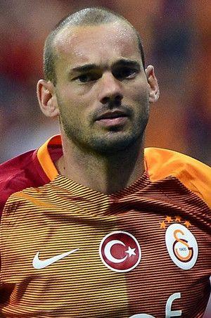 Wesley Sneijder iyi niyetinin kurbanı oldu!