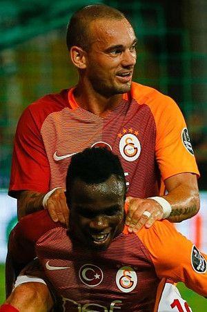 Sneijder Galatasaray'dan ayrılacak mı? Açıkladı...