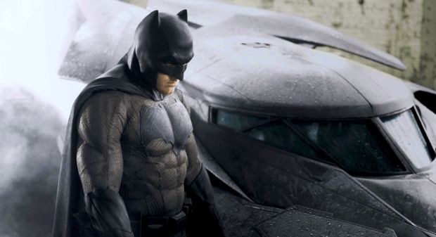 Yeni Batman'in merakla beklenen kostümü!