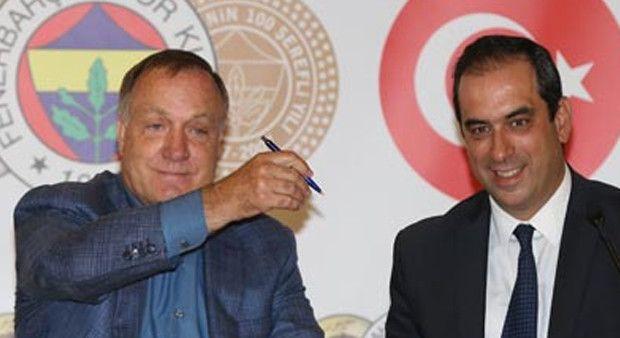 Fenerbahçe'nin yeni hocası Advocaat imzayı attı!