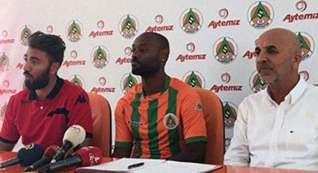 Yıldız golcü Vagner Love resmen Alanyaspor'da