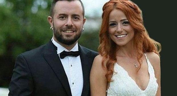 Şarkıcı Emre Aydın, Eda Köksal ile nikah masasına oturdu!