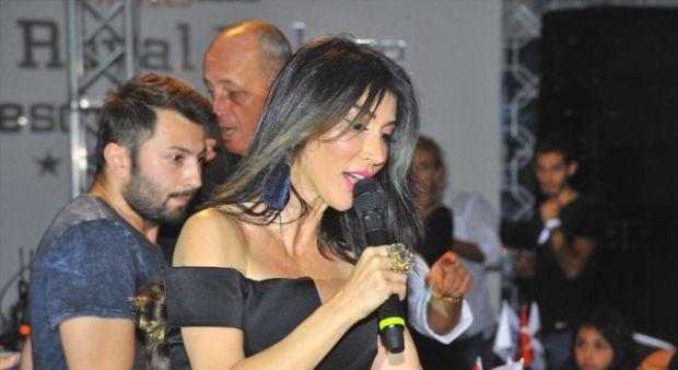 Hande Yener Kurban Bayramı'nda konser verdi