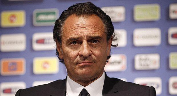 Prandelli yeni takımı Valencia!