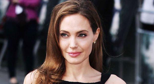 Angelina Jolie ile Johnny Deep aşk yaşıyor iddiası