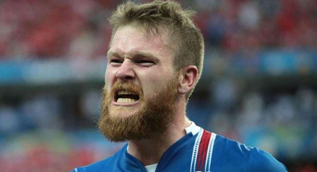 İzlanda kaptanı Gunnarson cezalı duruma düştü