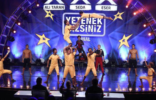 Akdeniz Circus Team'in final performansı