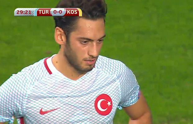 Hakan Çalhanoğlu uzak mesafeden müthiş vurdu!