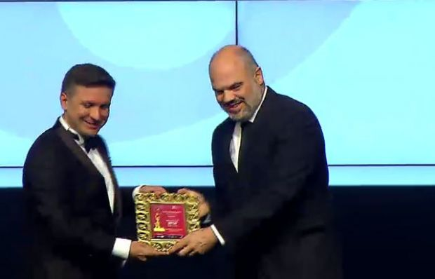 TV8 ailesine 3 ödül birden!