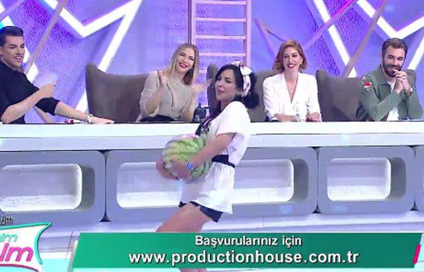 İşte Benim Stilim'de Deniz Serkanova'dan karpuzlu sürpriz!