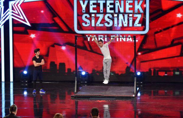 Semih-Ozan yarı final performansı