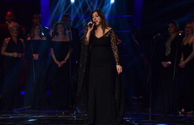 Nergis Yıldırır babasının annesine yazdığı şarkıyı söyledi!