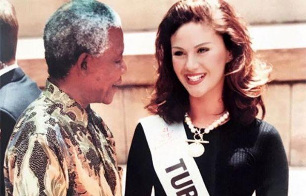 Demet Şener paylaştı: Nelson Mandela'yla tokalaşırken...