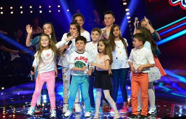 Finalistler hep birlikte şarkı söyledi!