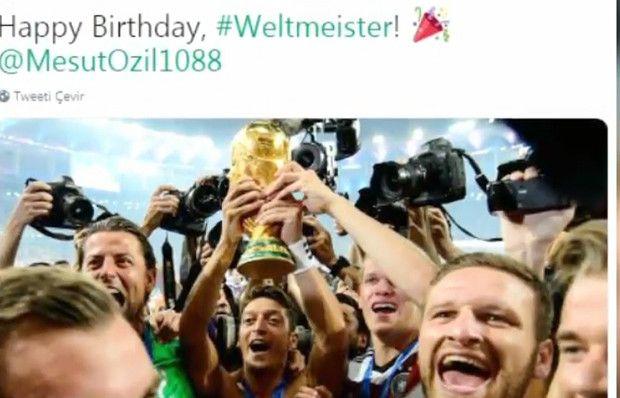Arsenal taraftarından Mesut Özil'e müthiş destek!