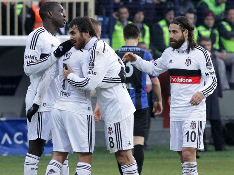 Beşiktaş 2 maçla kupayı kazandı!