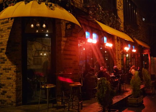 """Karaköy'ün tasarım harikası lezzet ve eğlence adresi """"Tükkan"""""""