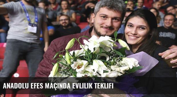 Anadolu Efes maçında evlilik teklifi