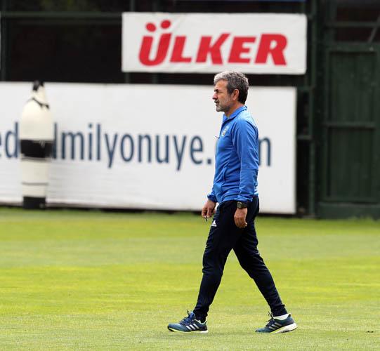 Fenerbahçe eski yıldızının peşinde! Temaslar başladı...