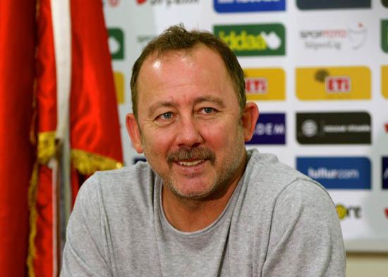 Süper Lig'den Sergen Yalçın'a teklif!