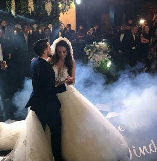 Rüzgar Erkoçlar evlendi! İşte düğünden kareler