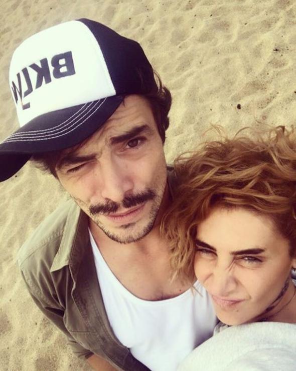 Sıla'dan sevgilisi Ahmet Kural'a sürpriz parti