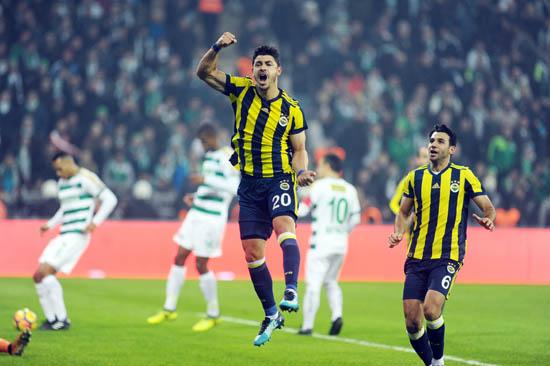 Fenerbahçe maçında herkesi şaşırtan taktik!