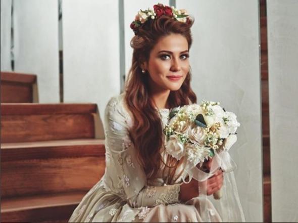 Üvey Baba'nın Lamia'sı Burçin Abdullah evlendi