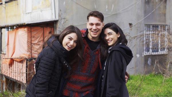 Çağatay Ulusoy'un Netflix dizisinin setinden ilk kareler