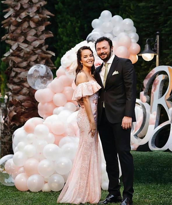 Bengü ile Selim Selimoğlu nişanlandı